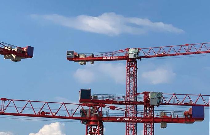 "Kräne auf dem Areal des Bauprojektes ""3 Höfe"", TCHOBAN VOSS Architekten GmbH, Foto: Andrea Lossau"